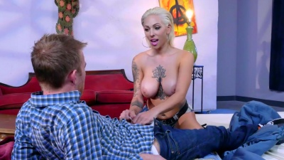 Tattooed milf Harlow Harrison nailed by a huge dong