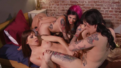 Hot lesbian bar threesome with lots of pussy licking and fingering