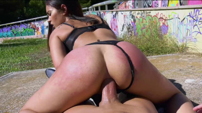 22yo Sunny Lane gives up her ass in public