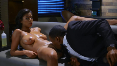 Ebony escort Nia Nacci teasing rich client with her sexy body