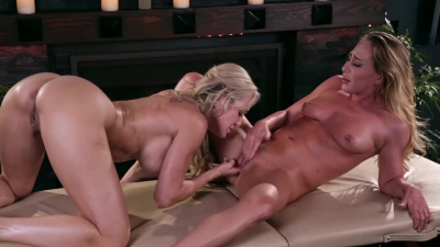 Pretty masseuse Carter Cruise goes to work on Brandi Love's body