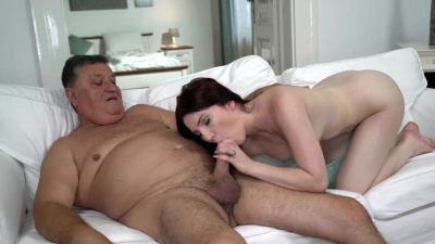 Brunette Mia Evans has sex with an old man and gets cum in her mouth