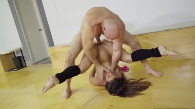 Kelsi Monroe got stuffed by her coach during her ballet lesson