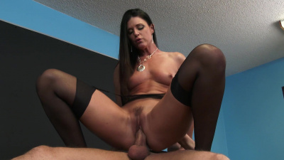 India Summer gives hand. mouth and pussy to her troubled student