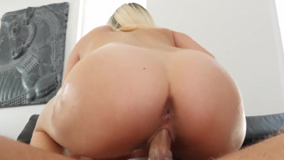 Adorable blonde Carolina Sweets receives creampie as a present on Halloween
