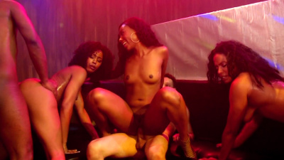 Black ladies Chanel Heart, Jezabel Vessir, Misty Stone and Quinn Quest club orgy