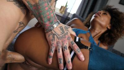 Mocha-skinned Luna Corazon enjoys big white dick