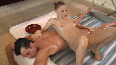 Hungarian Avril Sun puts her pussy on client's face as a part of special massage