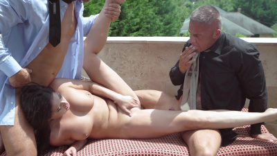 Dudes take turns in Coco De Mal high class pussy