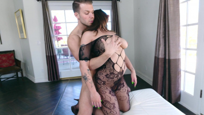 Thicc and lovely Ivy Green takes hard prick in her mouth and vagina
