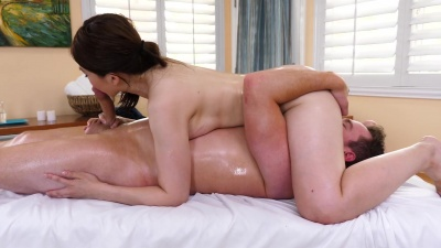 Japanese masseuse Yuki Ito gives an oiled nuru massage then fucks her client