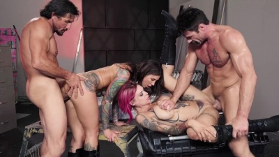 Bloodthirsty bikers Anna Bell Peaks & Felicity Feline in a 4some swap fuck